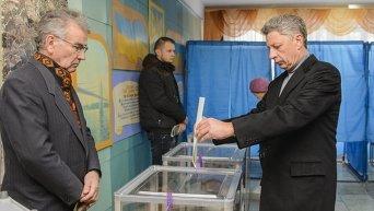 Юрий Бойко проголосовал на выборах в Верховную Раду, 26 октября 2014