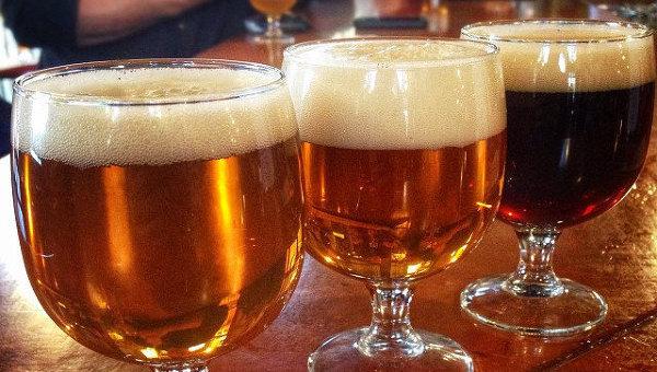 На пивные фужеры в бельгийском баре установили сигнализацию