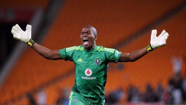 Капитан сборной ЮАР по футболу Сейзо Мейива