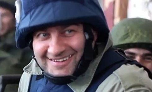 Михаил Пореченков посетил ополченцев в аэропорту Донецка. Стоп-кадр с видео