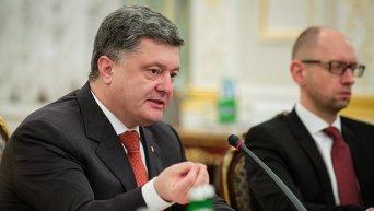 Петр Порошенко и Арсений Яценюк на заседании СНБО