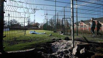 На месте обстрела школы в Донецке