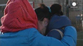 В Донецке объявлен траур по детям, погибшим во дворе школы. Видео
