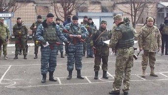 Азовцы в Мариуполе будут контролировать поведение военных. Видео