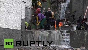 Проливные дожди вызвали наводнения и оползни в Италии. Видео