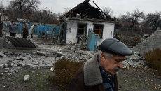 Разрушенные после обстрела дома в Донецке