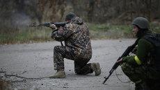 Украинские военные в селе Пески в Донецкой области