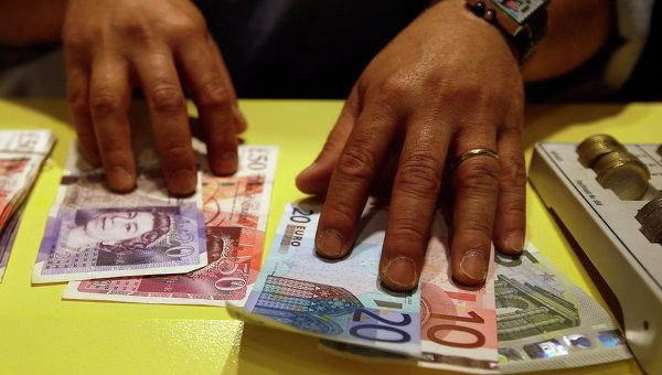 Официальный курс доллара превысил 60 руб.