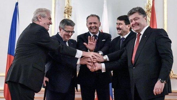 Петр Порошенко и главы стран Вышеградской четверки. Архивное фото