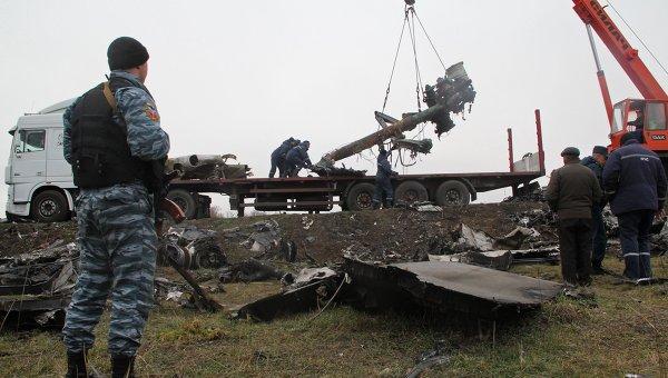 Голландские эксперты приступили к сбору обломков малайзийского Boeing на востоке Украины