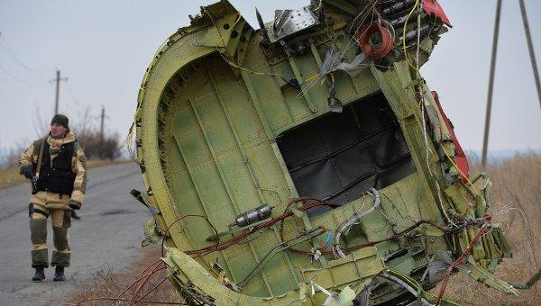 На месте крушения малайзийского Boeing 777. Архивное фото