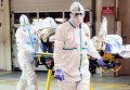 Госпитализация зараженного вирусом Эбола. Архивное фото