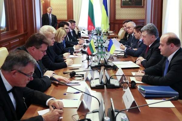 Порошенко и Грибаускайте обсудили поставки оружия