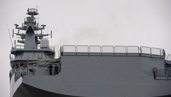 Десантный вертолетоносный корабль типа Мистраль