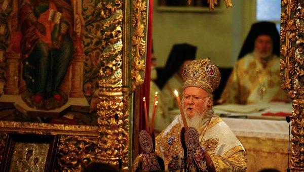 Патриарх Варфоломей I проводит Божественную литургию на Вселенском Патриархате в Стамбуле