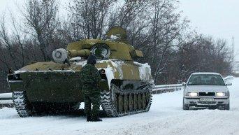 Колонна самоходных гаубиц Гвоздика прошла из Луганска в Донецк