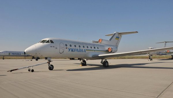 Самолет ЯК-40 перевезут в васильковский колледж