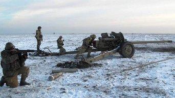 Украинские военнослужащие на Донбассе. Архивное фото