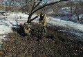 Ополченцы ДНР на месте взрыва в Донецке