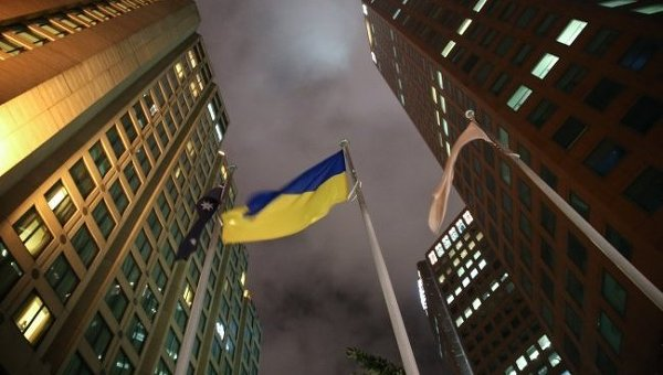 Флаги Украины и Австралии