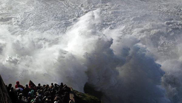 Волны. Архивное фото
