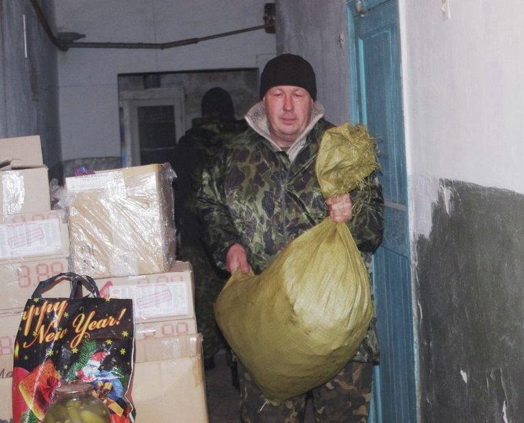 Украинские военные в зоне АТО оказывают помощь социально важным учреждениям