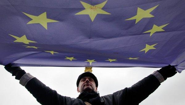 Флаг ЕС на митинге в Киеве