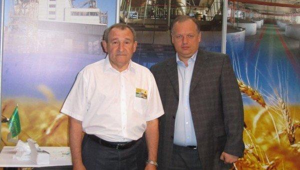 Николай Лабутин (справа)