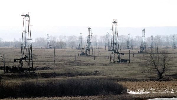 Месторождение нефти. Архивное фото