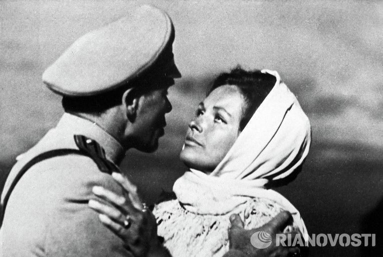 Кадр из советско-монгольского фильма Исход