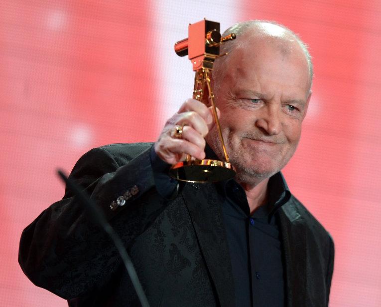 Джо Кокер на вручении премии Golden Camera в Берлине
