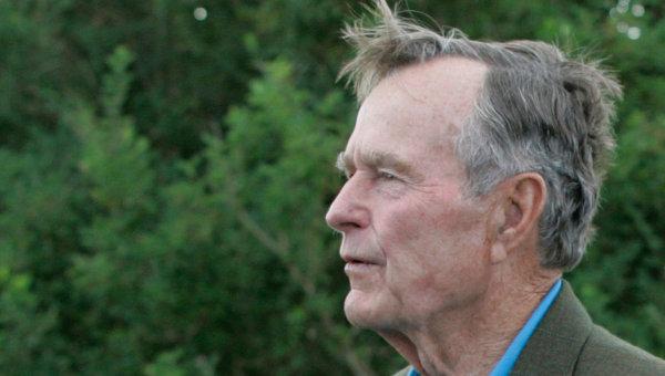 Экс-президент США Джордж Буш-старший. Архивное фото