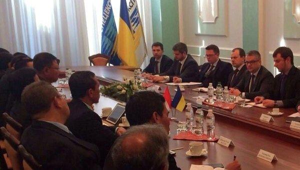 Делегация генштаба ВС Индонезии на переговорах с Укроборонпром