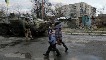 ВСУ патрулируют Дебальцево. Архивное фото