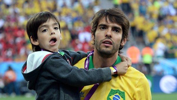 Чемпион мира-2002 и владелец «Золотого мяча-2007» завершил карьеру