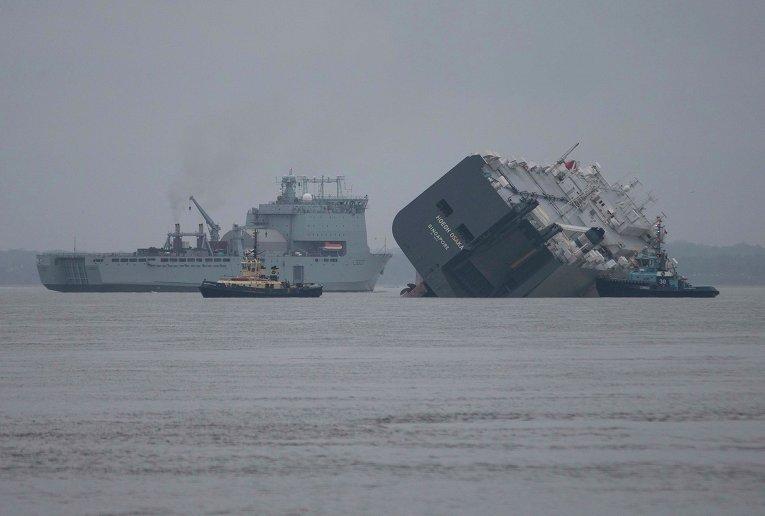 Судно Hoegh Osaka на мели у берегов Великобритании