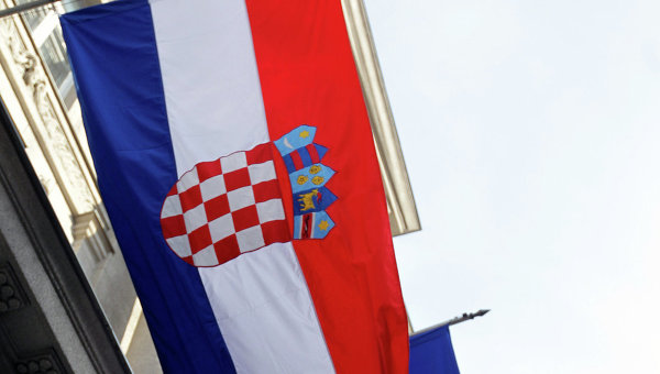 Флаг Хорватии и флаг Евросоюза