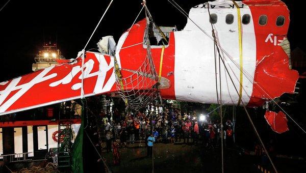 Обломки лайнера авиакомпании AirAsia Indonesia. Архивное фото
