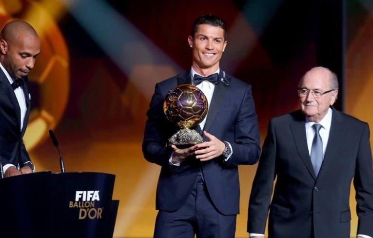 Криштиану Роналду на церемонии вручения Золотого мяча в Цюрихе