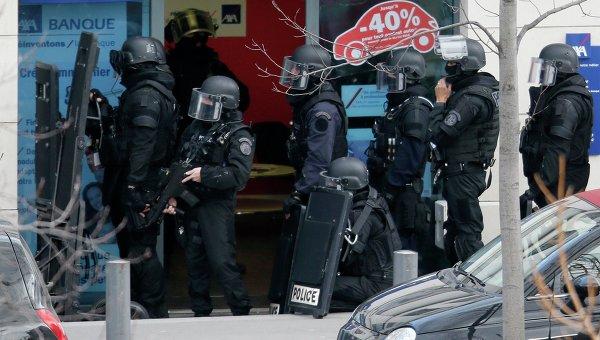 Полицейские Франции. Архивное фото