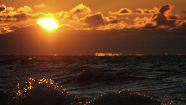 Волна, архивное фото