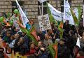 В Берлине десятки фермеров на тракторах приняли участие в многотысячном митинге