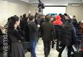 Драка на конференции по защите прав крымских татар в Симферополе. Видео