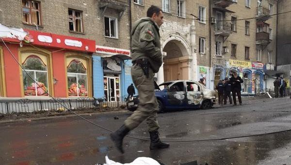 На месте взрыва на остановке в Донецке