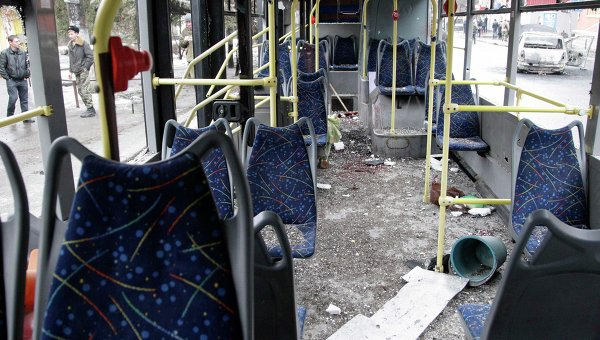 Обстрелянный троллейбус в Донецке