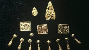 Скифские золотые украшения. Архивное фото