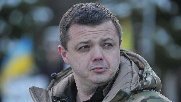 ВБахмуте милиция задержала ВАЗ-2106 с резервом оружия
