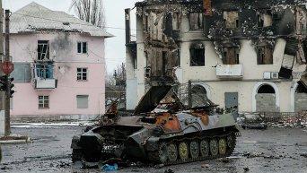 Уничтоженная техника на улицах Углегорска