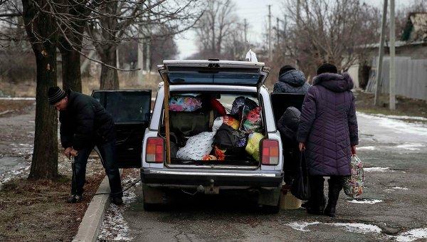 Жители Дебальцево покидают город