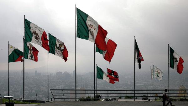 Флаги Мексики разных эпох